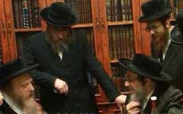 Mevakshei Emunim Rebbe with the Pupa Rebbe.