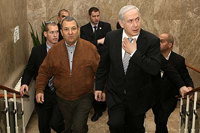 Israeli Prime Minister Benjamin Netanyahu (R) and Defence Minister Ehud Barak blame Iran for Bangkok attacks.