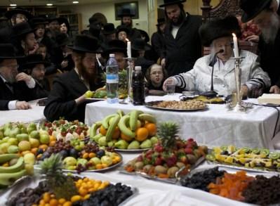 Kaliv Chassisim Celebrate Tu B'Shevat