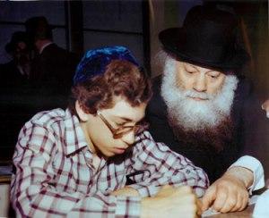 """Gary Rozenshteyn as a child with Rav Shmuel Berenbaum, zt""""l"""