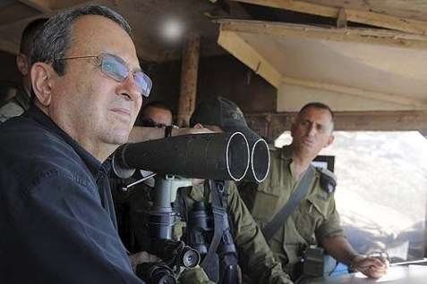 Israeli defense minister Ehud Barak visits the IDF Northern Command unit at the Syrian border, July 19, 2012.