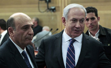 Shaul Mofaz (left) and Benjamin Netanyahu