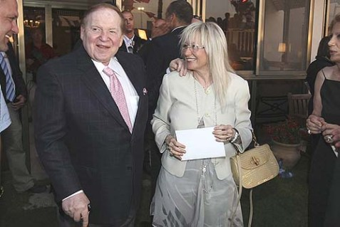 Sheldon Gary Adelson and his wife Miriam Ochshorn visit the American ambassador's house in Tel Aviv in 2009.