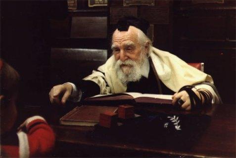 Broadly respected gadol hador, Rabbi Moshe Feinstein (1895-1986).