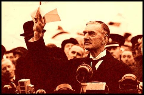 30 September 1938 : Chamberlain declares 'peace in our time'