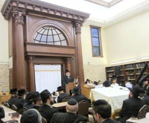 Rav Yochanon Henig, mara d'asra of the Los Angeles Chassidishe Kollel, speaking at the Chanukas Habayis. Photo Credit: Rabbi Arye D. Gordon