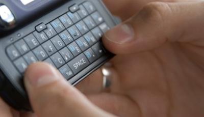 Hertzberg-111612-Texting