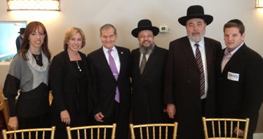 (L-R) Attorney Tova Friedman; mayoral candidate and current L.A. city controller Wendy Greuel; attorney Andrew Friedman; Rabbi Gavriel Cohen, L.A. Rabbinic Court judge; Rabbi Eliyahu Abergel, chief judge of the Jerusalem Rabbinic Court; and attorney Ari Friedman.