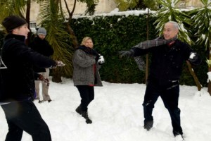 Bibi in snowball fight