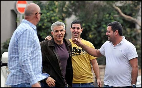 Yair Lapid arriving at the Yesh Atid headquarters in Tel Aviv, January 27, 2013.