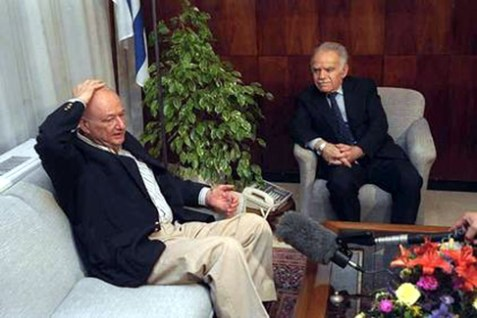 On a visit to Jerusalem in 1990, former New York mayor Ed Koch was hit in the head by a rock thrown by a Palestinian. Here he recounts the incident to then-Prime Minister Yitzhak Shamir. Mr. Koch died last week at age 88.
