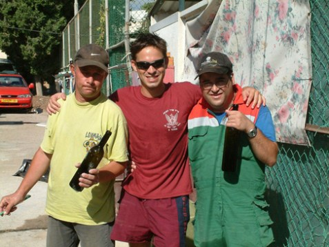 (L-R) Eli Sternzis, Roy Itzhaki and Dedi Ashkenazi at Tulip Winery. (Courtesy of Roy Itzhaki)