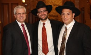 (L-R) Gary Torgow, guest speaker; Rabbi Moshe Katz, Yeshiva Day School of Las Vegas dean; and Anthony Bock, president of Yeshiva Day School of Las Vegas.
