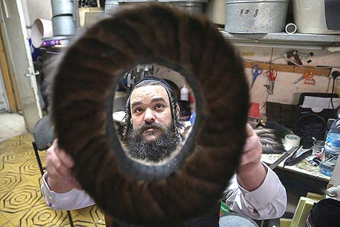 The Shtreimel Maker