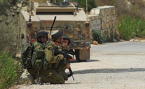 IDF troops on the Lebanese border. Back in 2006, the Lebanese terror group Hezbolla inflicted massive damage on Israeli civilian centers up north. Now it has been weakened by its involvement in Syria.
