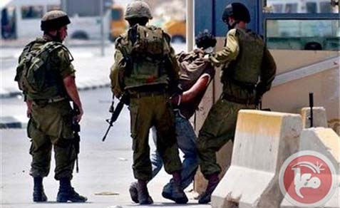 """Ma'an's image: """"Israel soldiers force Muslim to drink wine at gunpoint."""""""
