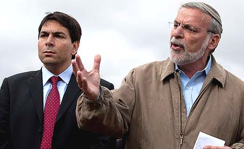 Danny Danon (L.) with New York State Assemblyman Dov Hikind in East Jerusalem.