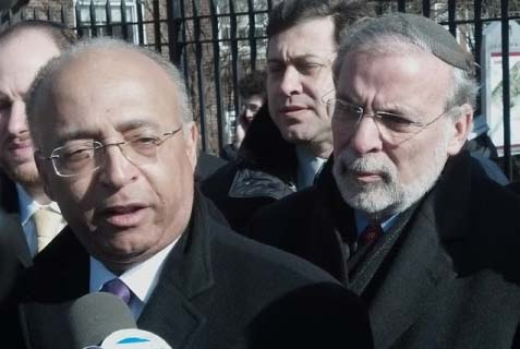 Bill Thompson has been campaigning with Assemblyman Dov Hikind,