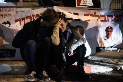 Israelis protest prisoner release