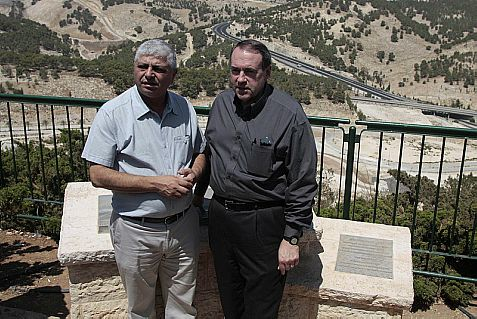 Republican presidential hopeful Mike Huckabee (right) in Maaleh Adumim.