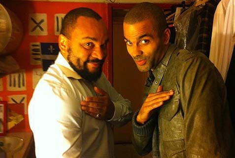 "Tony Parker (r) and antisemitic French comic Dieudonne doing the reverse Nazi salute ""quenelle."""
