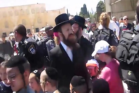 Jews on the Temple Mount were a target of a wide-scale Hamas plot to attacks Jews throughout Israel. (April 2014)