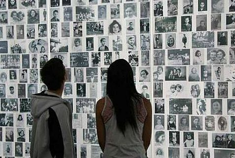 """Facing history and ourselves"" in the US Holocaust Museum in Washington."