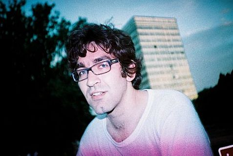 US-Israeli journalist Simon Ostrovsky has been freed from captivity in Ukraine.