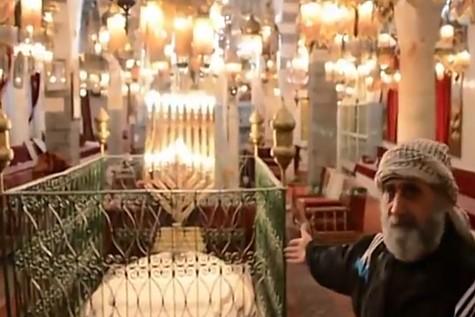 Eliyahu HaNavi Shul Inside View