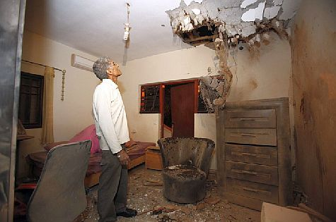 Damage from Qassam rocket attack at a home in Sderot, southern Israel, November 2012. (archive)