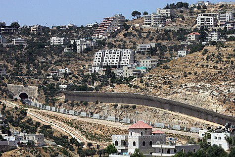 Beit Jala overlooking Road 60 in Gush Etzion