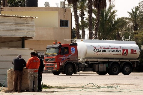 An oil truck goes through the Kerem Shalom crossing to Gaza.