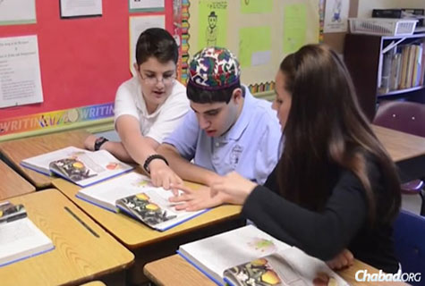 Students participate in South Florida Jewish Academy's inclusion program.