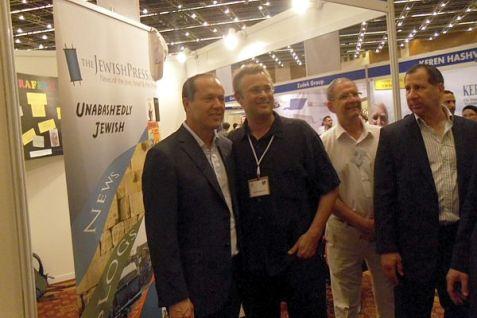Jerusalem Mayor Nir Barkat (L) visits the JewishPress.com booth at The Event.