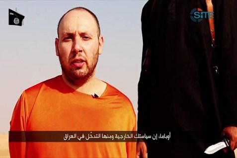Steven Joel Sotloff as a hostage of ISIS, before his beheading.
