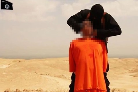 JIhadi John executing dual US-Israeli citizen Steven Sotloff, the second American journalist he beheaded last summer.