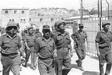 IDF troops enter Jerusalem in the Six-Day War in1967.