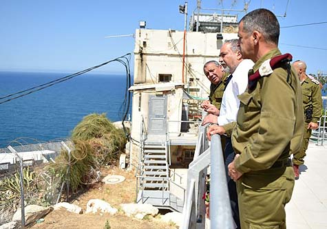 Defense Minister Liberman visits the northern front