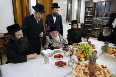 Spinka Kahana Tu B'Shvat Seder