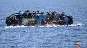 Refugee boat capsizing / Photo credit: Doctors Without Borders Twitter