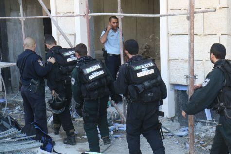 Police search for the terrorist in the former Tnuva complex in Romema - Nov. 29, 2015. Photo by TPS / Hillel Meir