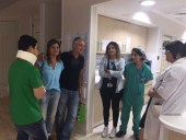 Shachar Roditi with hospital staff and family