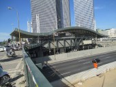 The Derekh HasHalom train station in Tel Aviv. / Wikipedia commons