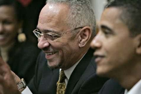 Jeremiah Wright with Obama, before the President distanced himself from his anti-Semitism.