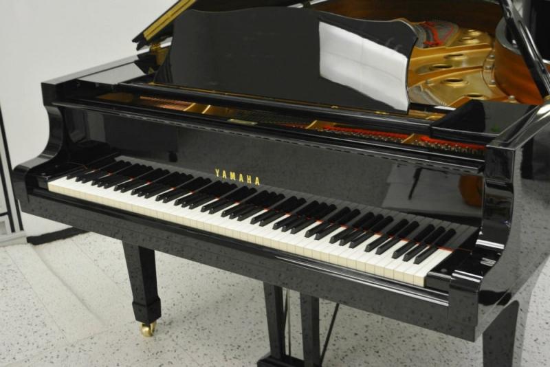 Yamaha C5 Concert Grand Piano \u2013 Ebony Polish (used) \u2013 Jim Laabs
