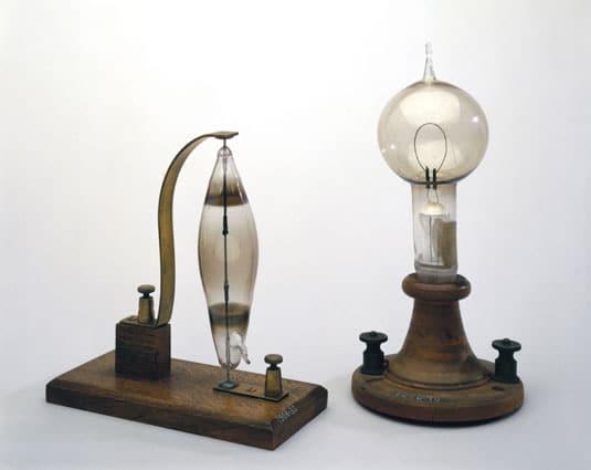 swan-light-bulb-edison