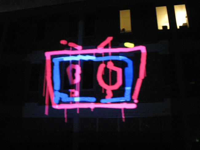 aron-altmark-laser-graffiti-4