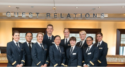 Guest service officer Джоб Круиз Шип