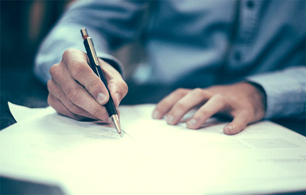 Breach of contract of employment Employment Contract Lawyer Sue