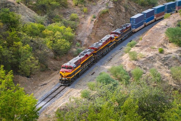 US Trucking Tightening Mexico truck capacity benefiting intermodal